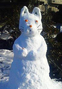 雪で作ったハムスター